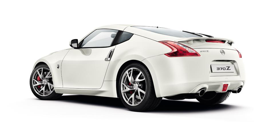 weißer Nissan 370z Hinter-/Seitenansicht