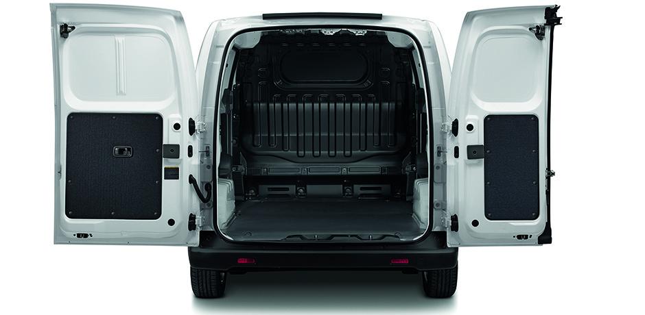 weißer Nissan e-NV200 Kofferraum