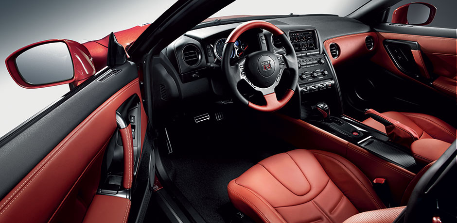 neuer Nissan GT-R Innenraum