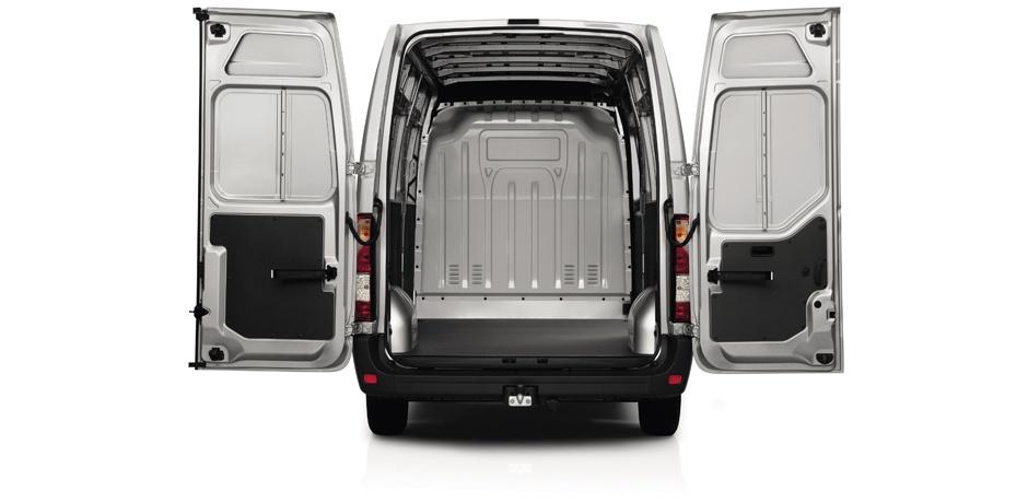 weißer Nissan NV400 Kofferraum