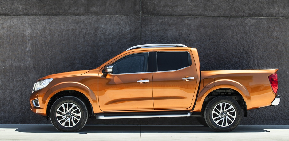 New Nissan NAVARA NP300 profile