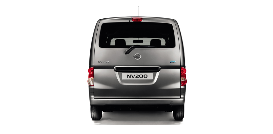 Nissan NV200 Combi rear view