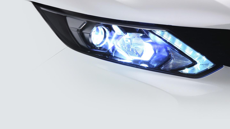 Nissan QASHQAI světlomet